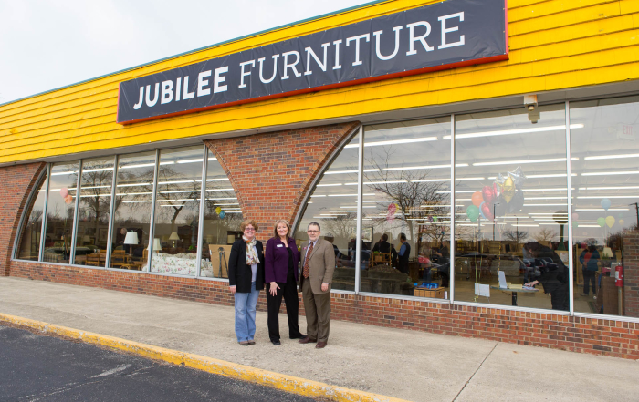 New Carol Stream location gives Jubilee Furniture room to expand