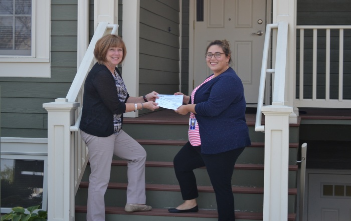 Outreach Receives Donation from IlliniCare Health