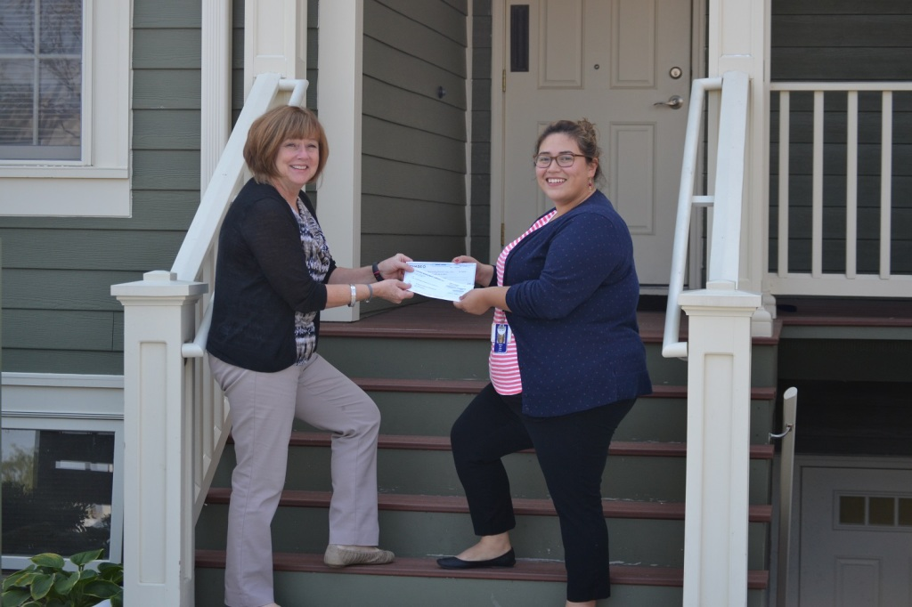 IlliniCare Health Donates to Outreach