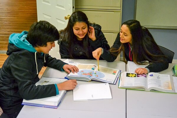 Puente del Pueblo Launches High School Program